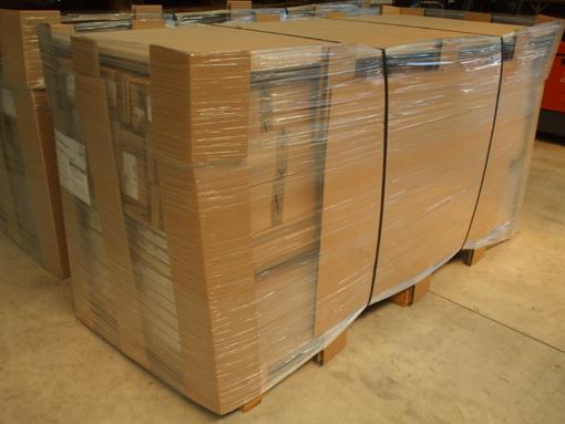 die t ren werden mit einem enormen aufwand verpackt. Black Bedroom Furniture Sets. Home Design Ideas